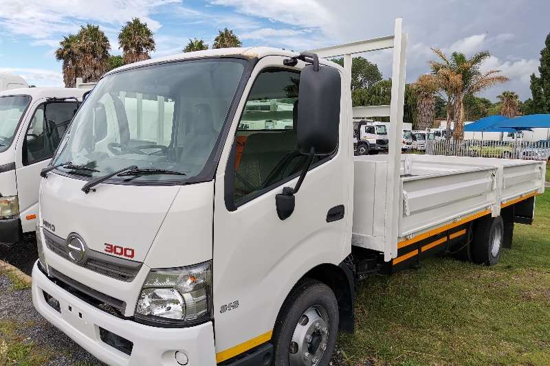 Hino Hino 300 814 4ton Drop Side Dropside trucks