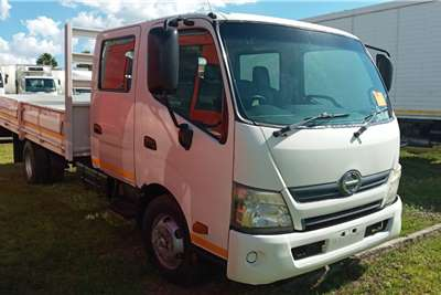 Hino HINO 300 : 815   CREW CAB WITH A DROPSIDE FOR SALE Dropside trucks