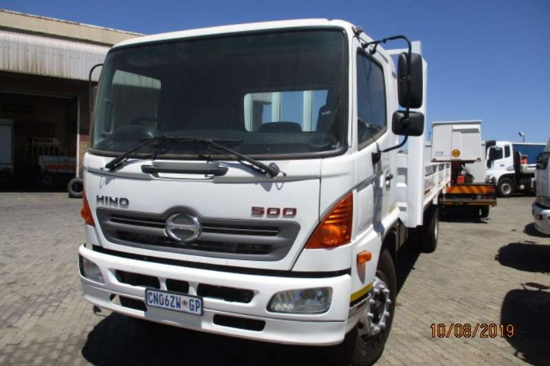 Hino Dropside trucks Hino 500 1626 DROPSIDE 2013