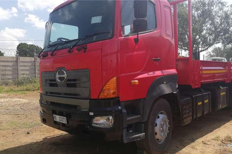 Hino Dropside trucks HINO 700 2006