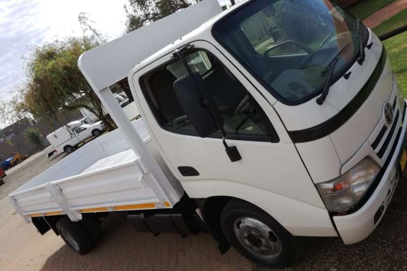 Hino Dropside trucks TOYOTA DYNA 4093 DROPSIDE 6m chassis 2015