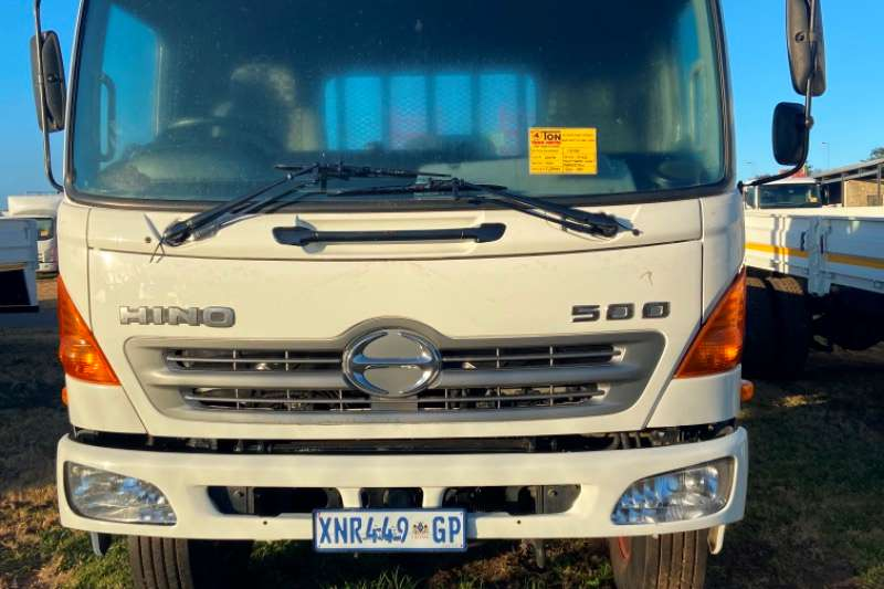 Hino Hino 500 flat deck with beaver tail truck for sale Flatbed trucks