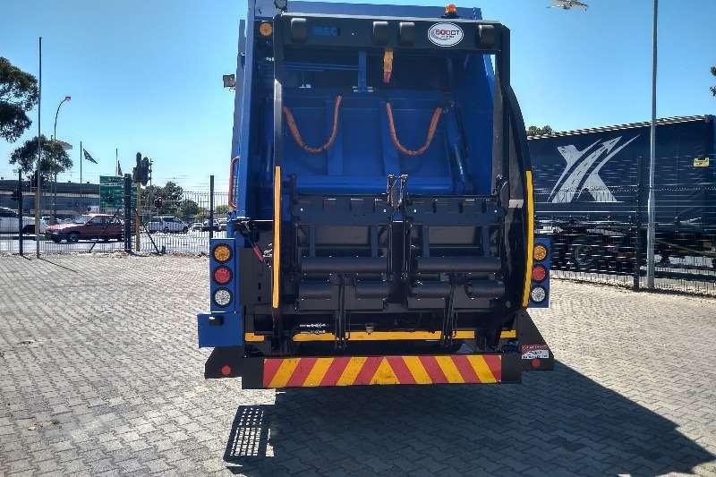 Hino Hino 700, 2841 Garbage trucks
