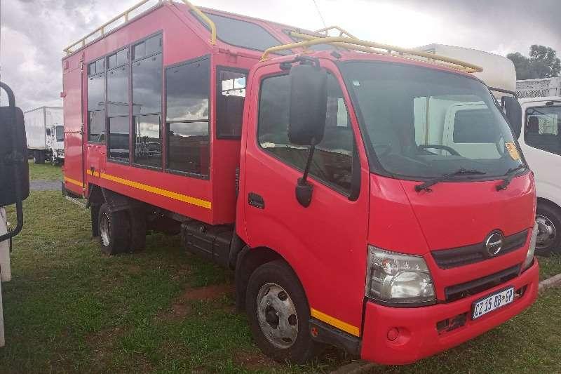 Hino HINO 300:815  (15 SEATER) SAFARI PASSENGER CARRIER Personnel carrier trucks