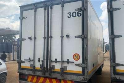 Hino 300 815 Refrigerated trucks