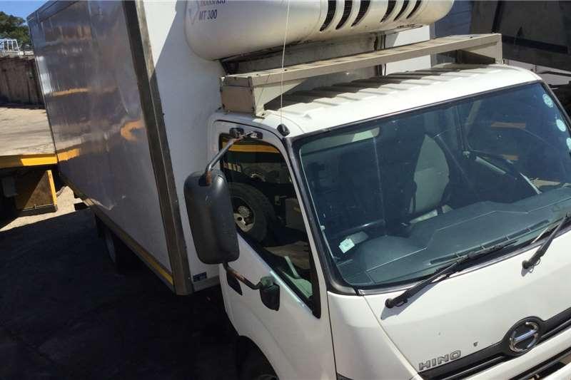 Hino Refrigerated trucks 915