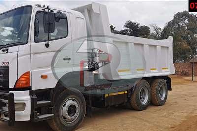 Hino 700 10 CUBE Tipper trucks