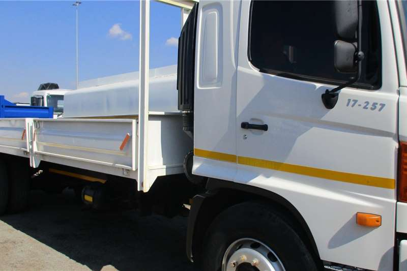 Hino Truck 17 257 Drop Side Body 2004