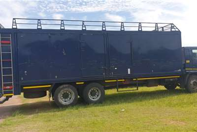 Hino 2016 Hino 500 2626 Volume Body With Tag Axle Truck