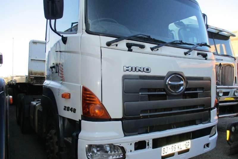 Hino Truck 26-48 Hino 700 2011