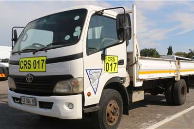 Hino Truck 300 4x2 Dropside 2009