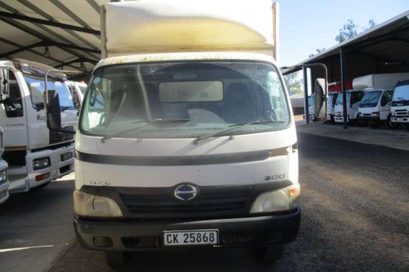 Hino Truck 300 714 2010