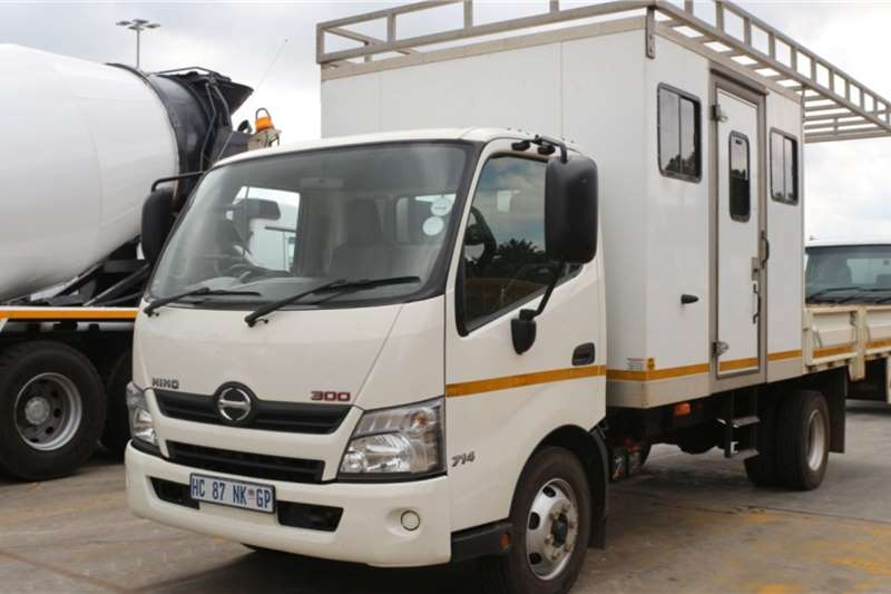 Hino Truck 300 714 4x2 Dropside 2017