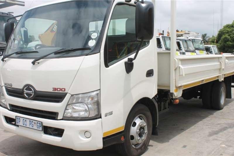 Hino Truck 300 815 4x2 Dropside 2015