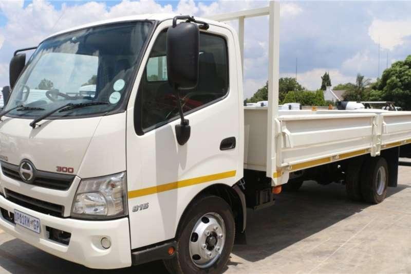 Hino Truck 300 815 4x2 Dropside A/T 2015
