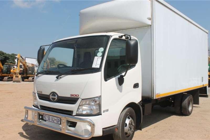 Hino Truck 300 815 AMT 4x2 Van Body 2019