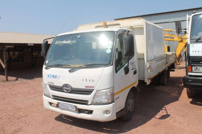 Hino Truck 300 815 LWB Dropside 2014