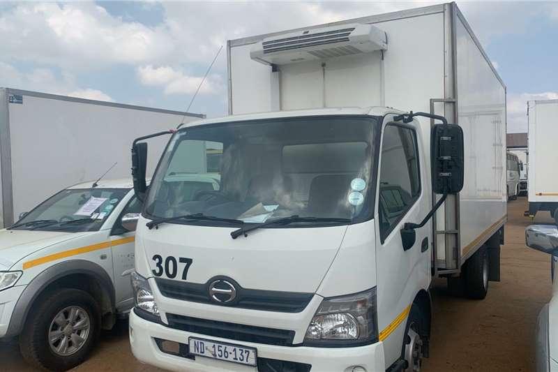 Hino 300 815 REEFER Truck