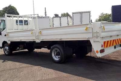 Hino 300 915 DROPSIDE 5TON Truck