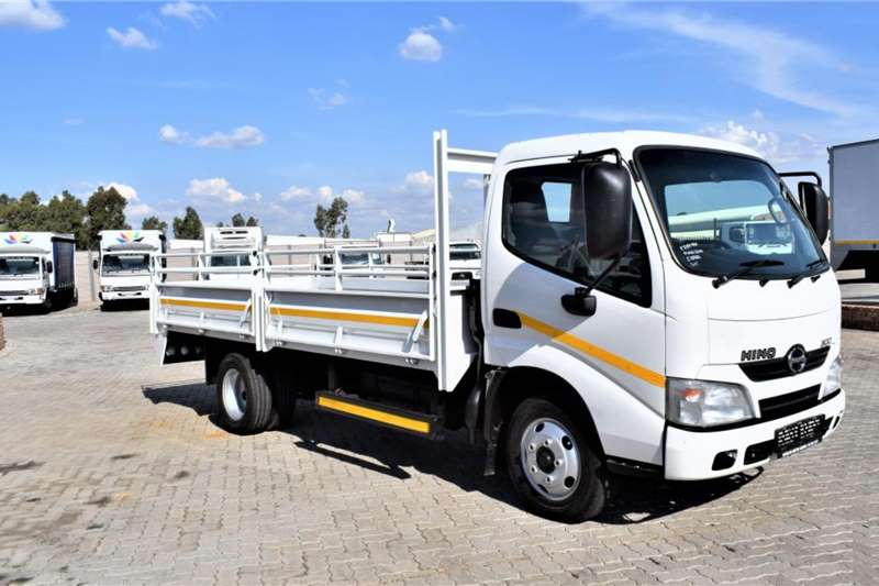 Hino Truck 300 Series 611 Drop side 2014