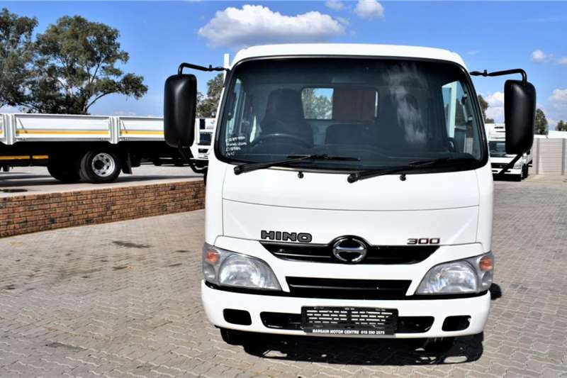 Hino 300 Series 611 Drop side Truck