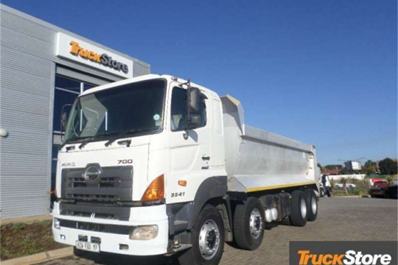 Hino Truck 3541 SSC AMT8X4TIP 2016