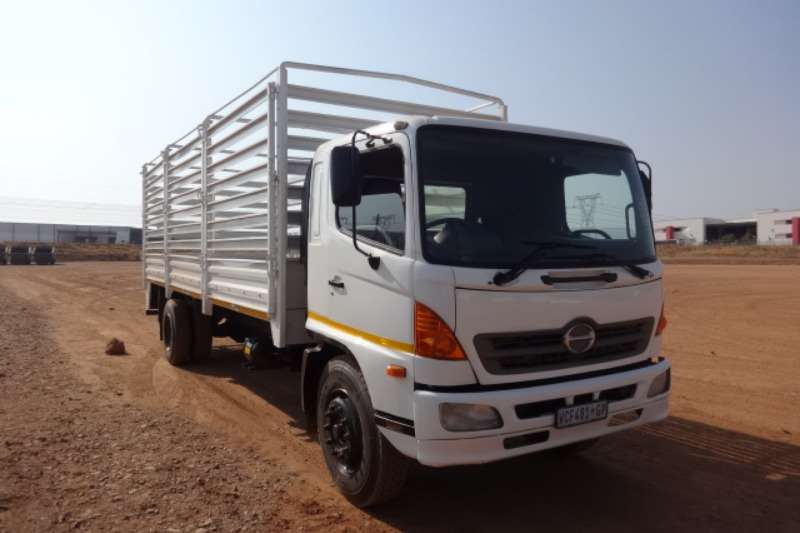 Hino Truck 500 15:258 8 Ton With Cattle Body 2007