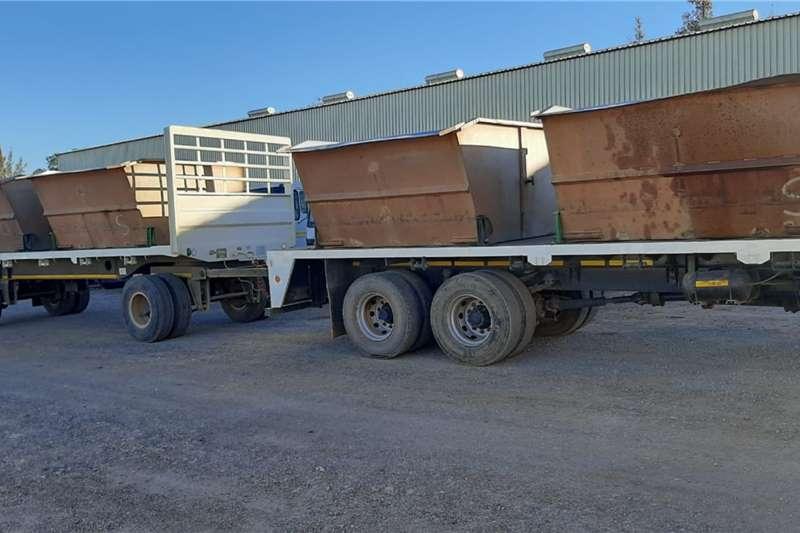 Hino 500 1726 MET PLATBAK TRAILER EN PARSBAK Truck