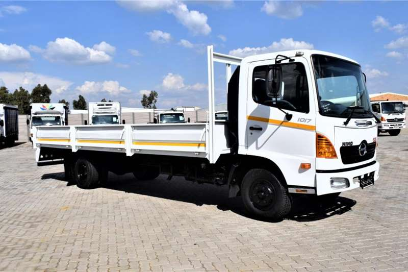Hino Truck 500 Series 1017 Dropside 2006