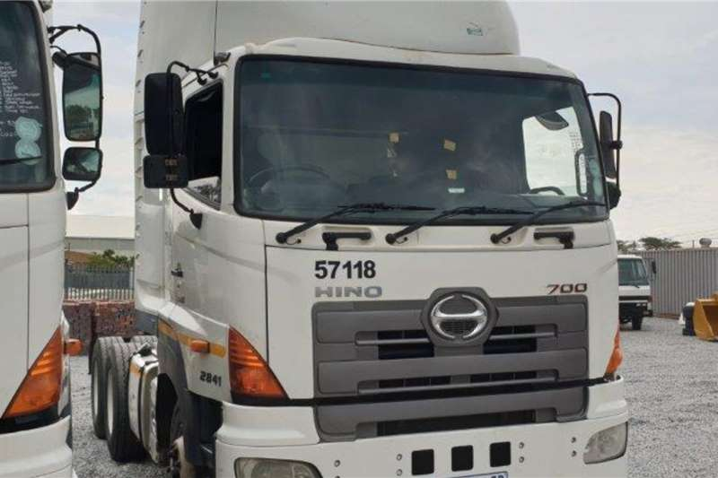 Hino Truck 700 2841 Euro 4 6x4 Mechanical Horse 2015