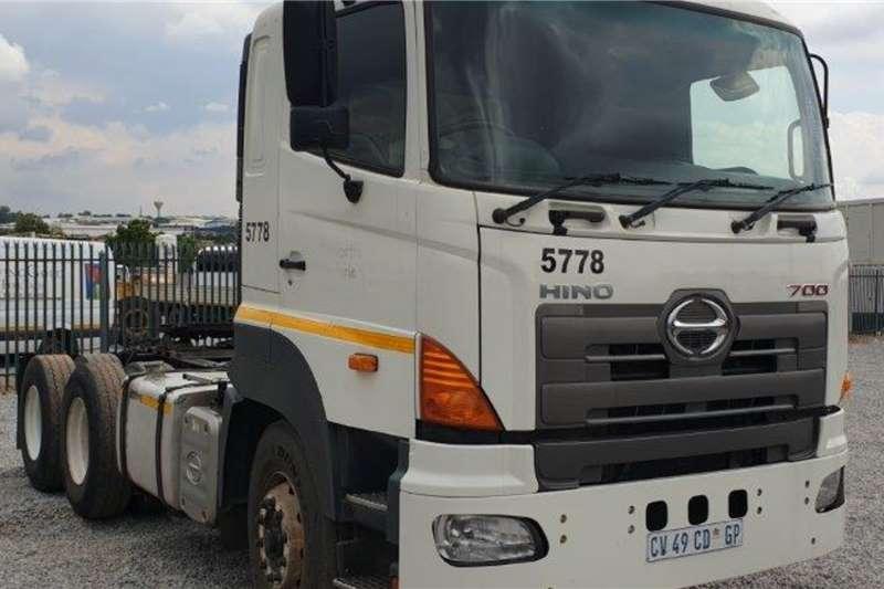 Hino Truck 700 6x4 Mechanical Horse 2013