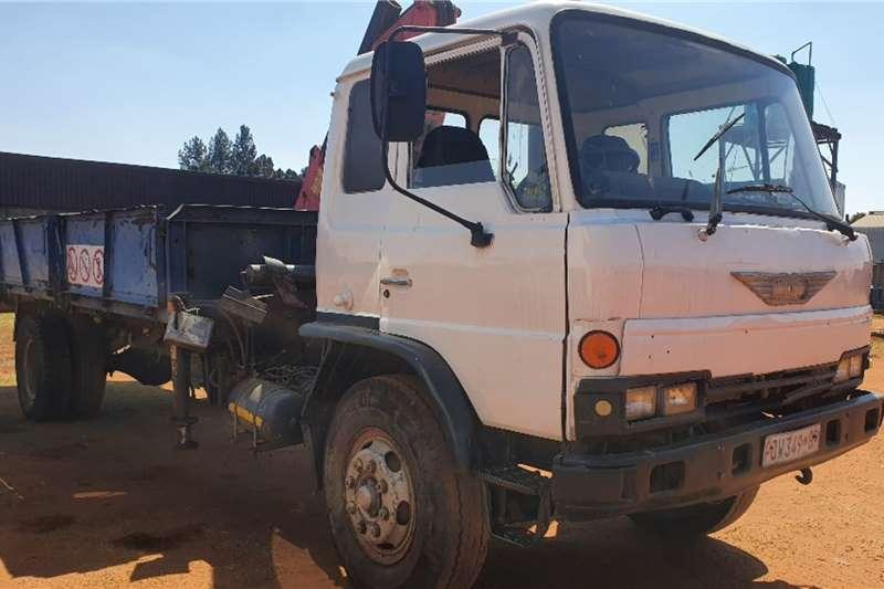 Hino (8t) Dropside + Pesci (3.5t) Crane Truck