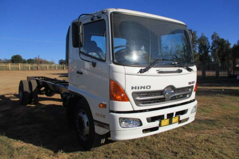 Hino Truck Chassis cab HINO 500 1324 CHASSIS CAB