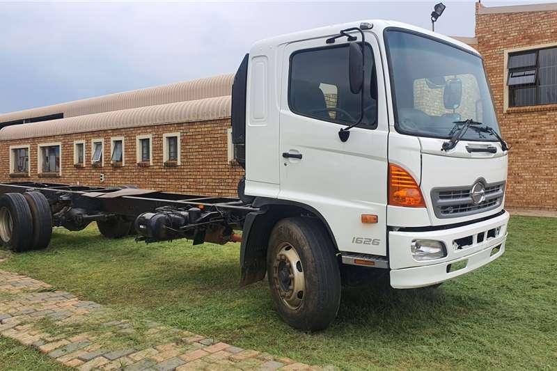 Hino Truck Chassis cab HINO 500 CHASIS CAB 2013