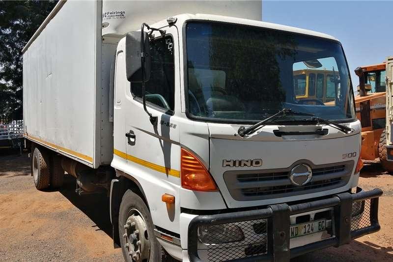 Hino Truck Closed body 8 ton closed body hino 500 in great codision