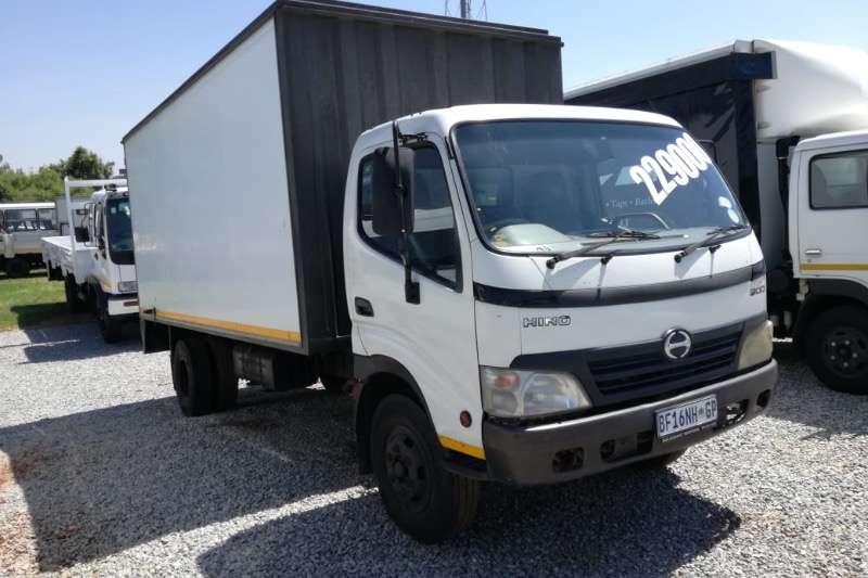 Hino Truck Closed body HINO 300 814 BOX BODY R219000 2011