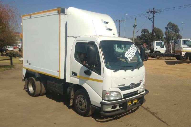 Hino Truck Closed body Hino 300 R199000 2013