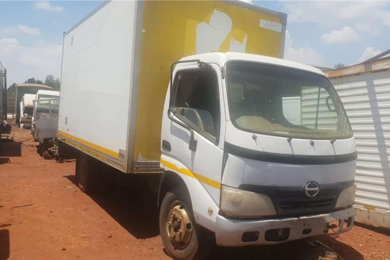 Hino Truck Closed body Hino 300 Stripping for spares