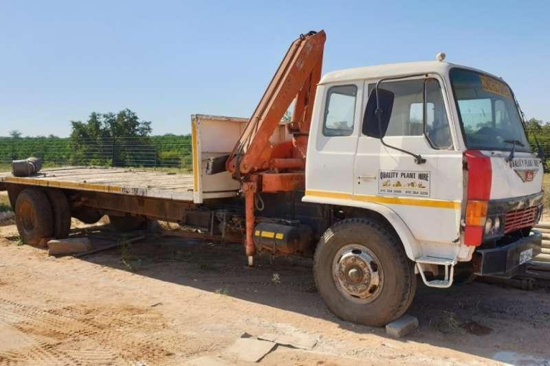 Hino Truck Crane truck 4x2 Flat Deck Crane Truck