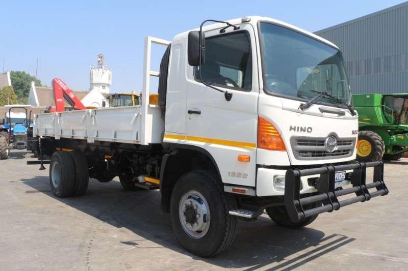 Hino Truck Crane truck 500 1322 4x4 with Fassi F38A0.21 Crane 2012