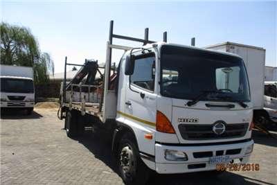 Hino Crane truck HINO 15 257 DROPSIDE WITH HIAB 144 CRANE Truck