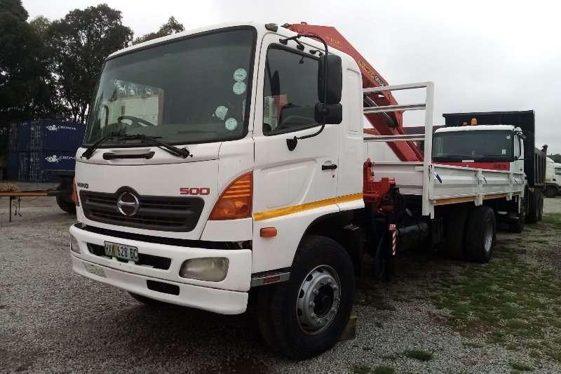 Hino Truck Crane truck Hino 500 15 257 With palfinger Crane 2005