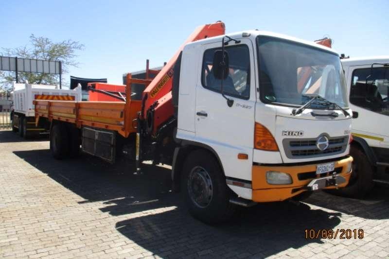 Hino Truck Crane truck HINO 500 17 257 CRANE TRUCK WITH PK15000 CRANE 2009