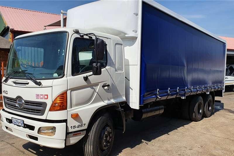 Hino Truck Curtain side 15 257 2005