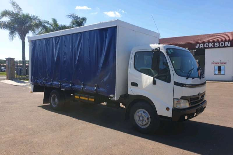Hino Truck Curtain side 2010 HINO 814 CURTAIN SIDE 2010