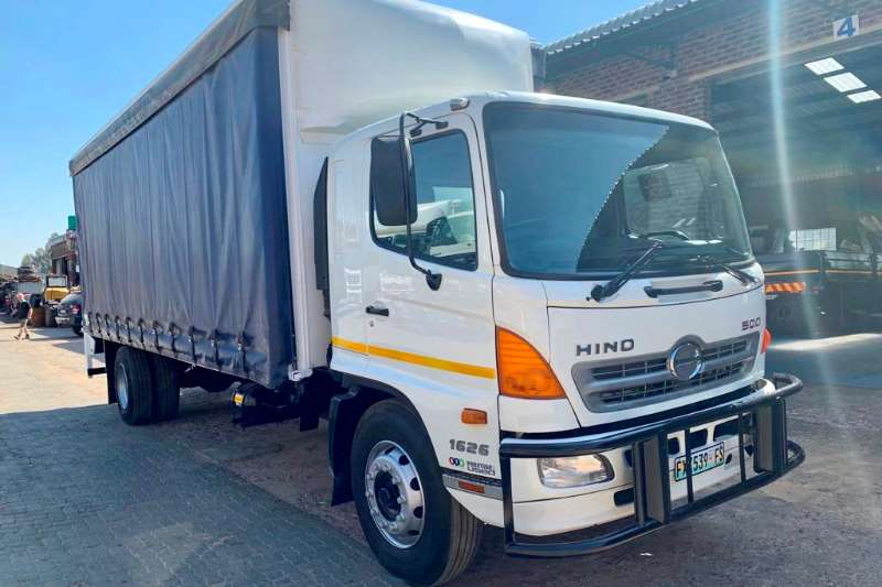 Hino Truck Curtain side 500 1626 2011