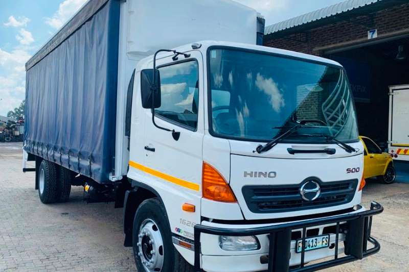 Hino Truck Curtain side 500 1626 2012