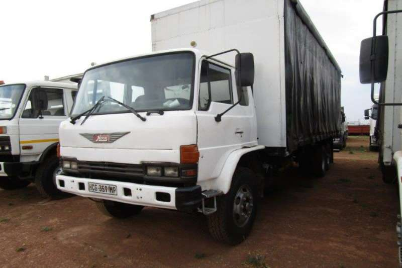 Hino Truck Curtain side CURTAIN SIDE