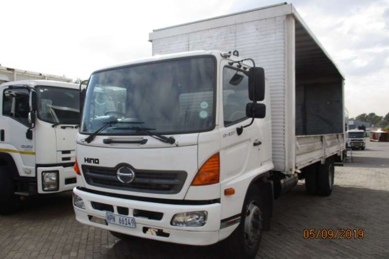 Hino Truck Curtain side HINO 13 237 TAUTLINER WITH DROPSIDES 2006