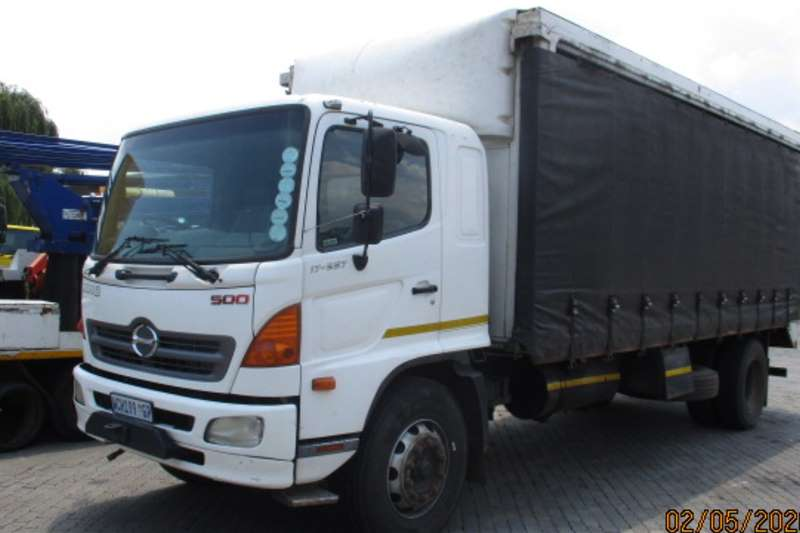 Hino Truck Curtain Side HINO 500 17-257 TAUTLINER 2007